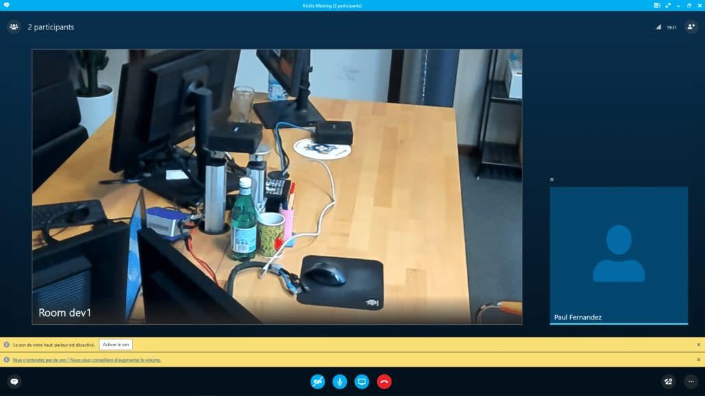 Zoom en réunion avec la caméra pour visioconférence MeetUp