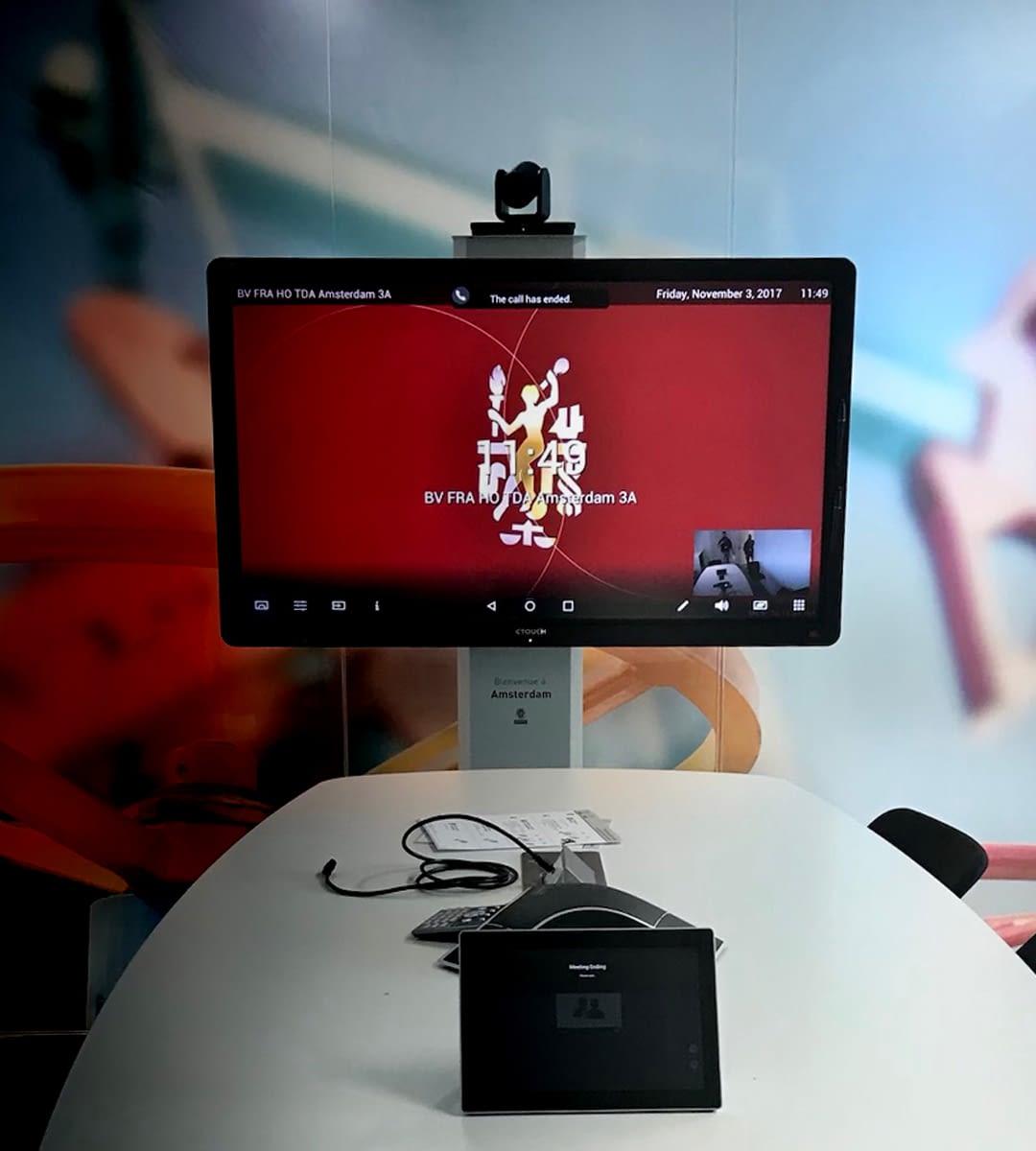 Intégration audiovisuelle salle de réunion bureau veritas par wipple : salle de réunion