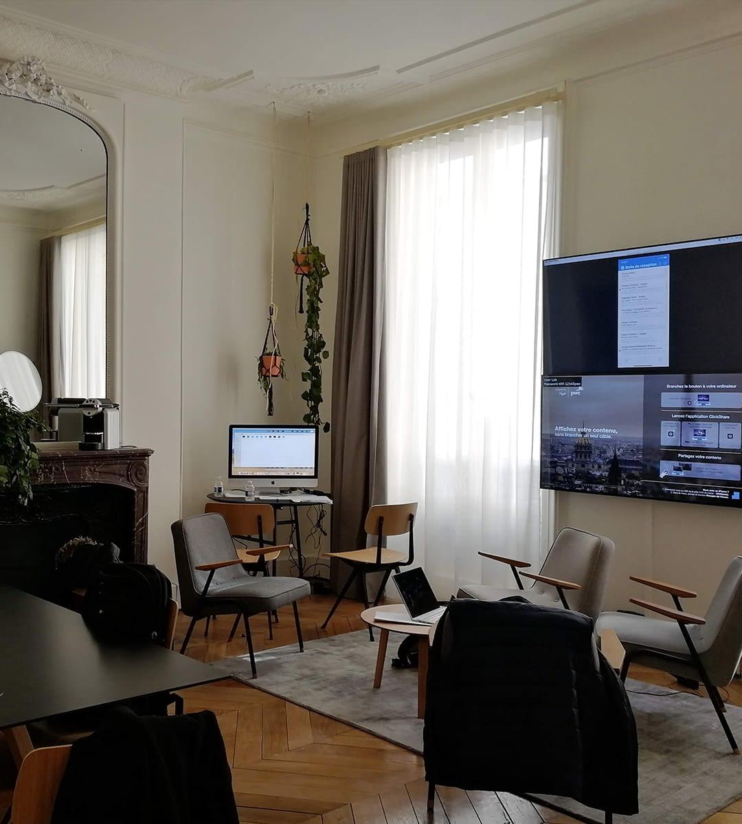 Intégration audiovisuelle salle de réunion pwc experience center par wipple