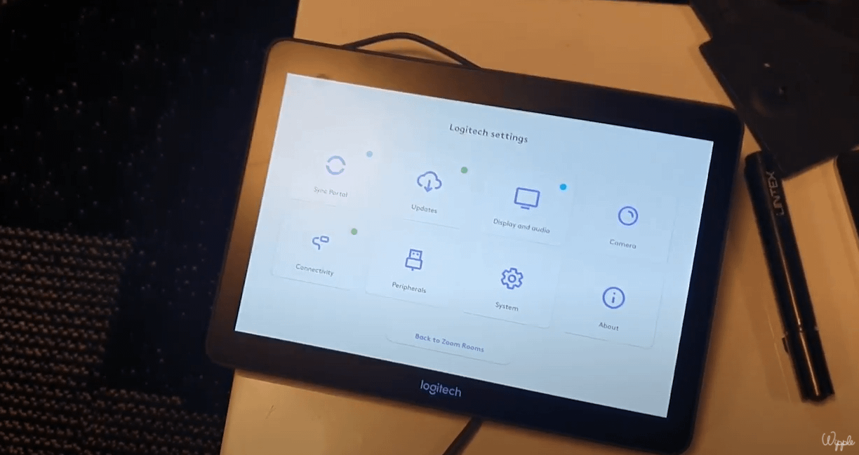 Logitech Rally bar test réalisé par Wipple - capture écran de l'accès aux paramètres